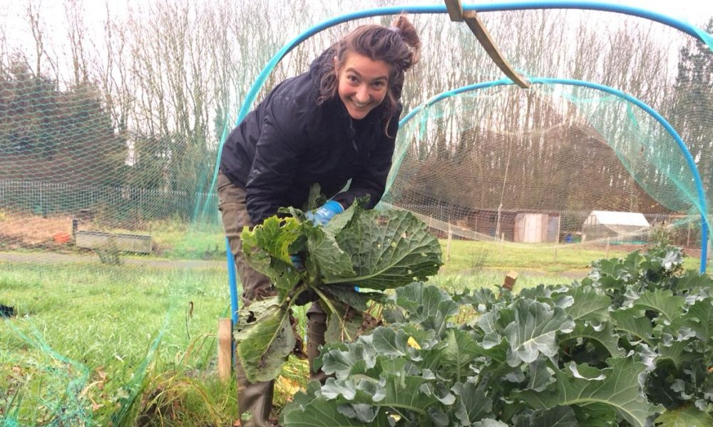 Marta Crispo in a lush allotment, who has published 2 new papers